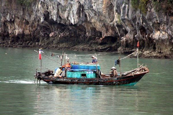 halong bay fishers